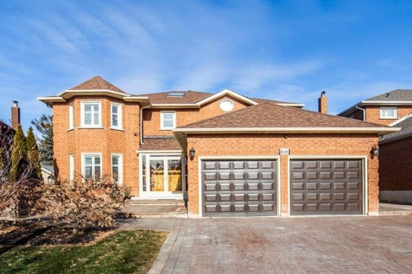 66 William Stephenson Dr, Whitby