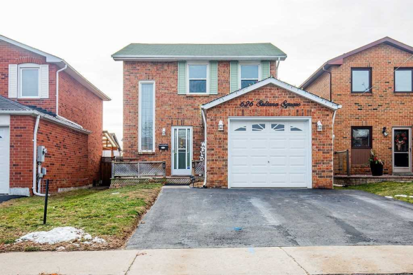 626 Sultana Sq, Pickering