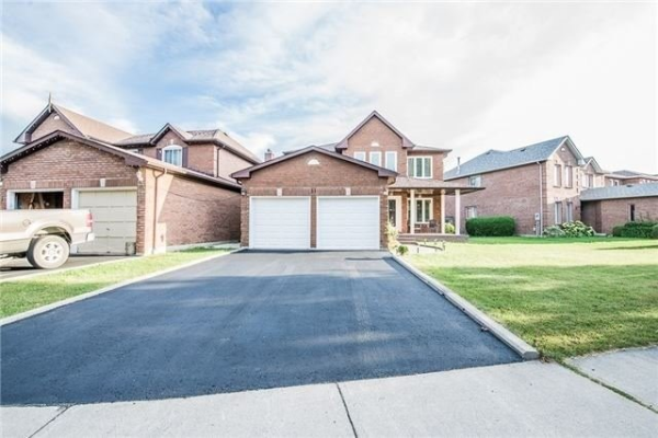 31 Keeble Cres, Ajax