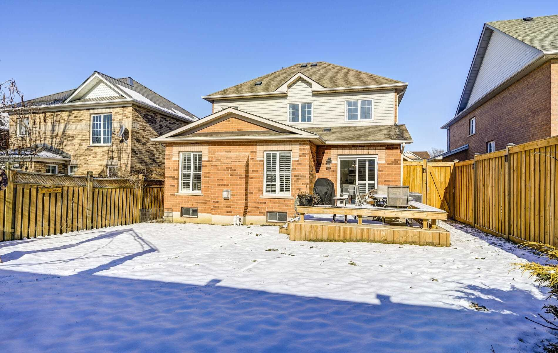 34 Arnold Cres, Whitby