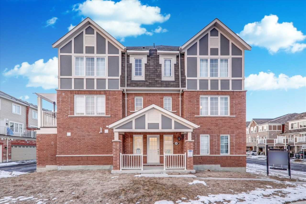 2402 Fall Harvest Cres, Pickering