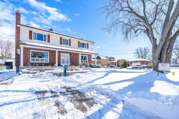 799 Fairview Ave, Pickering