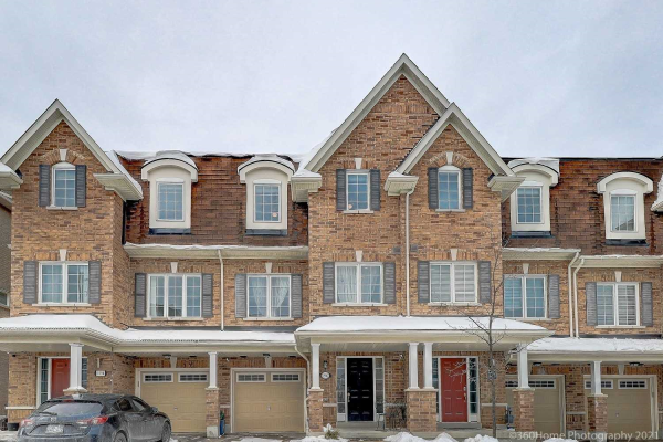 1596 Brandy Crt, Pickering