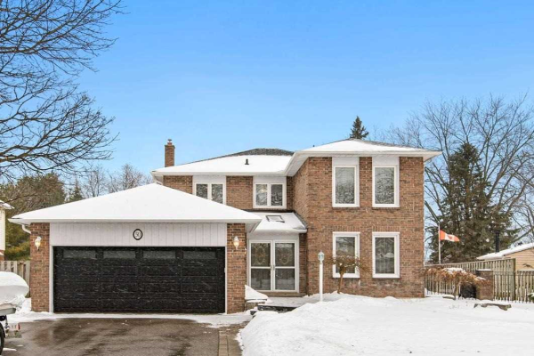 50 Resolute Cres, Whitby