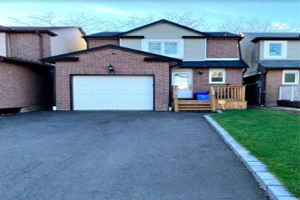 62 Greenfield Cres, Whitby