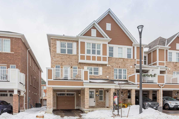 1030 Dragonfly Ave, Pickering
