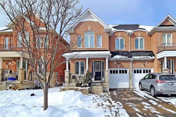 69 Whitlock Cres, Ajax