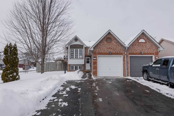 44 Fenwick Ave, Clarington