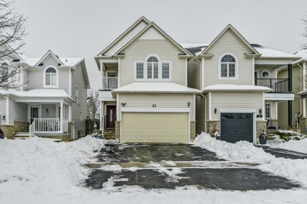 82 Tunney Pl, Whitby