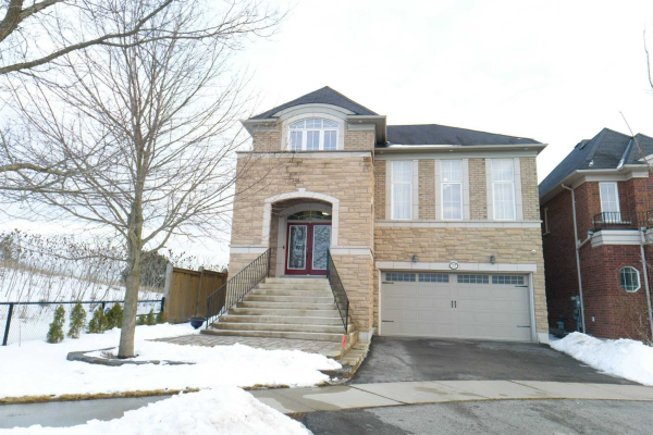 22 Whitbread Cres, Ajax