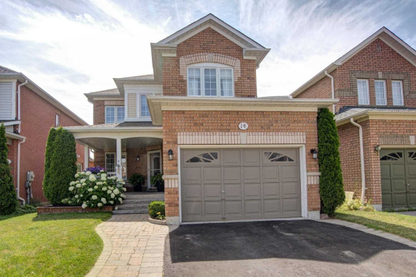 14 Fitzpatrick Crt, Whitby