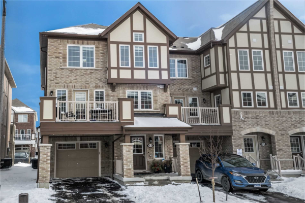 13 Bluegill Cres, Whitby