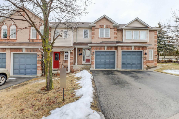 33 Lick Pond Way, Whitby