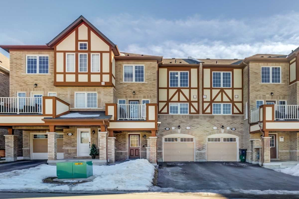 1041 Reflection Pl, Pickering