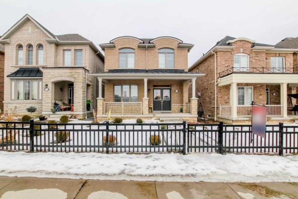 102 Braebrook Dr, Whitby