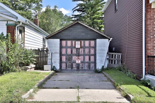951B Greenwood Ave, Toronto