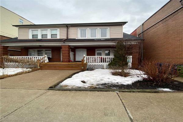 865 Broadview Ave, Toronto