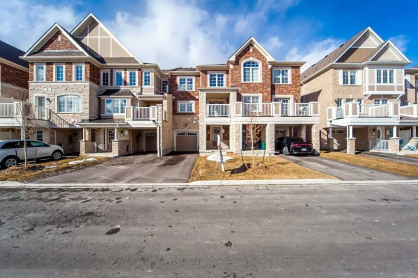 59 Bluegill Cres, Whitby