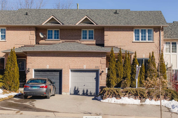 2381 Clearside Crt, Pickering