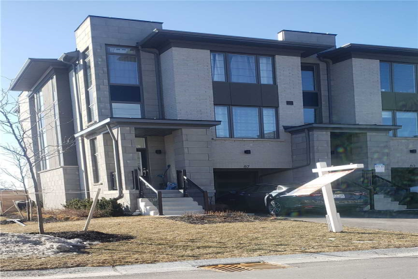 87 Donald Fleming Way, Whitby