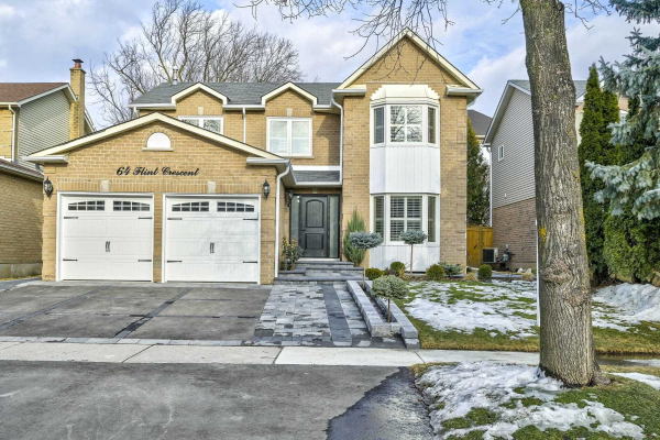 64 Flint Cres, Whitby