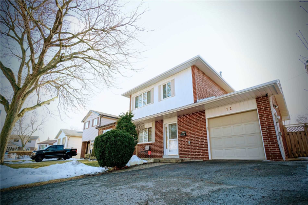 12 Shannon Crt, Whitby