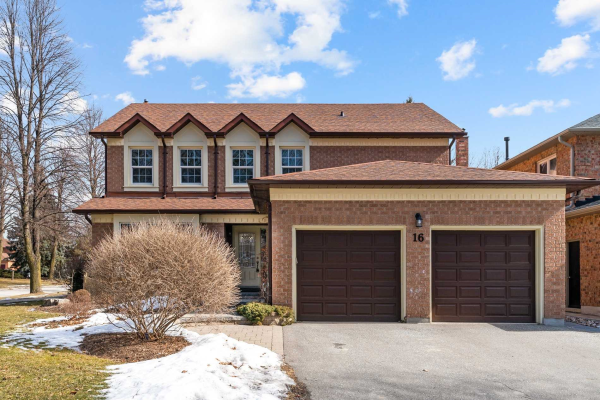 16 Rice Dr, Whitby