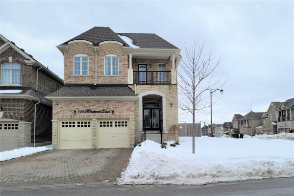 149 Braebrook Dr, Whitby