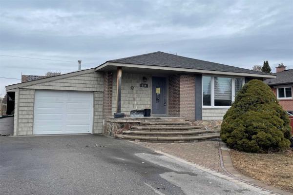 854 Fairview Ave, Pickering