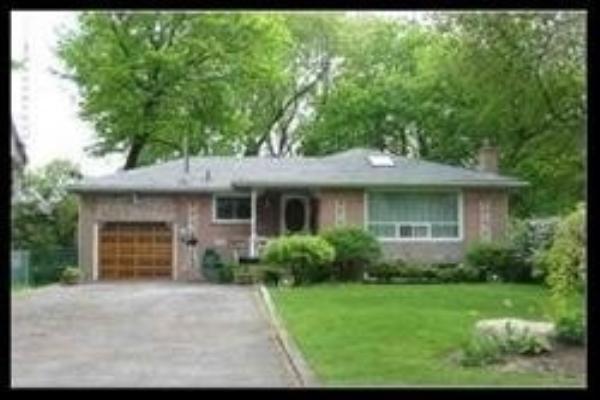 375 Lawson Rd, Toronto