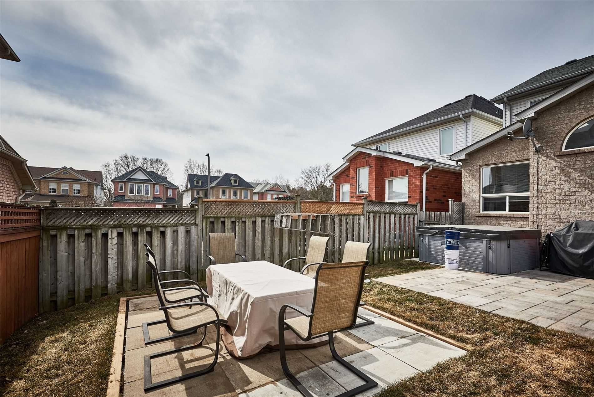 58 Tidewater Cres, Whitby