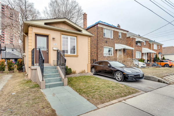 1165 Broadview Ave, Toronto