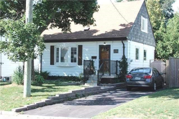 26 Neilson Ave, Toronto