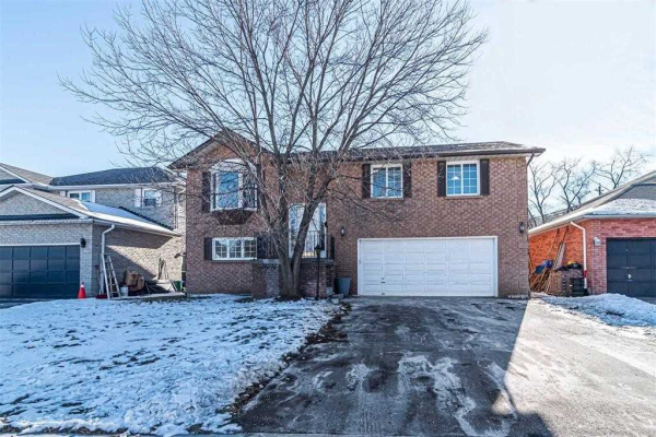 7 Eastwood Ave, Oshawa