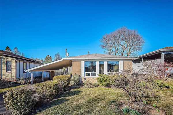 836 Miriam Rd, Pickering