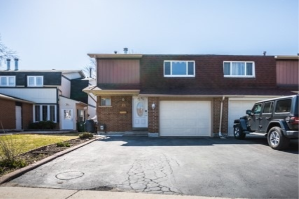 19 Sadlee Cove Cres