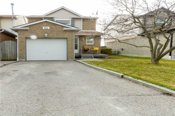 54 Greenfield Cres, Whitby