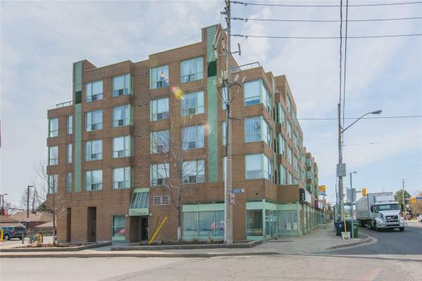 955 Oconnor Dr, Toronto
