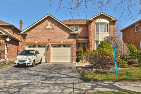 11 Mayor Cres, Ajax