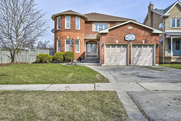 17 Mantell Cres, Ajax