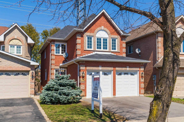 1147 Windgrove Sq, Pickering