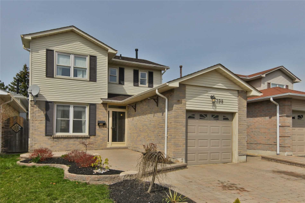 398 Prince Of Wales Dr, Whitby