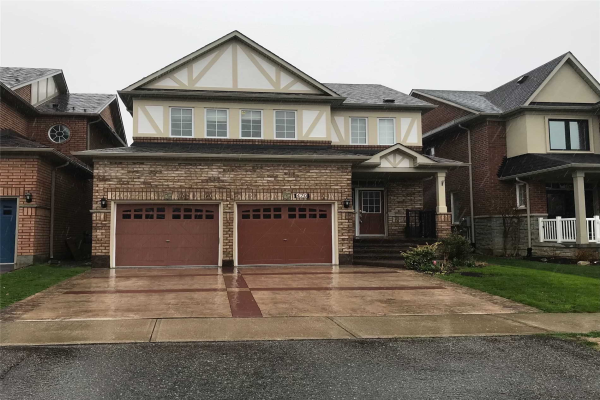 470 Rougewalk Dr, Pickering