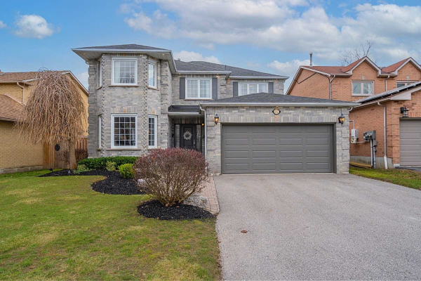 37 Bentonwood Cres, Whitby