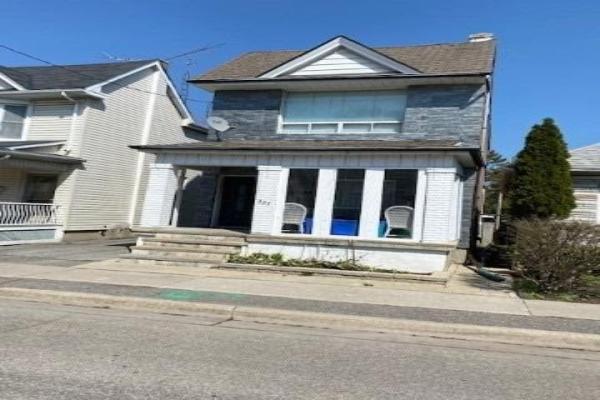 327 Albert St, Oshawa