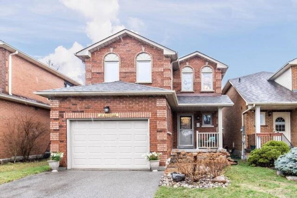 32 Glenmore Dr, Whitby