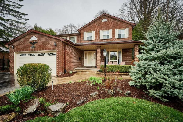 1124 Timber Crt, Pickering