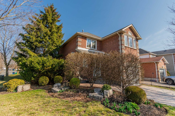 450 Palmerston Ave, Whitby