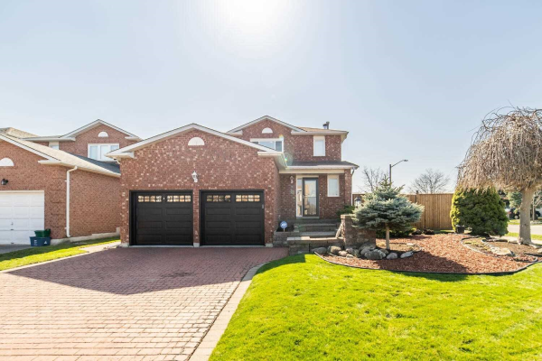2 Poolton Cres, Clarington