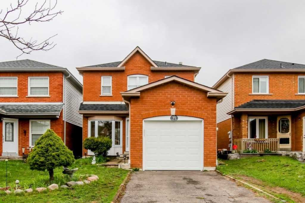 71 Hartrick Pl, Whitby